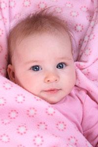 μωρό με κουβέρτα