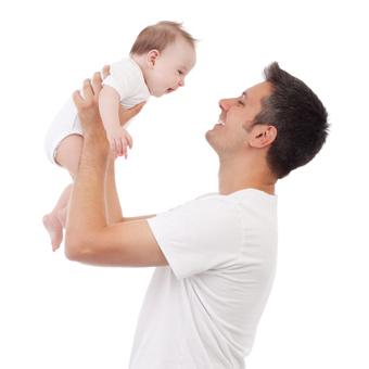 μωρό με μπαμπά