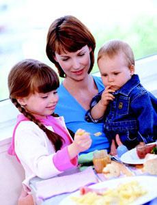 μαμά με παιδιά