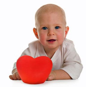 μωρό με καρδιά