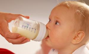 γάλα νεογέννητου, μητρικό ή εμπορίου γάλα, νεογέννητο, μωρό