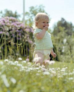 μωρό στην φύση