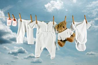απλωμένα ρούχα μανταλάκια