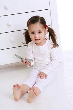 κοριτσι με κινητο τηλεφωνο