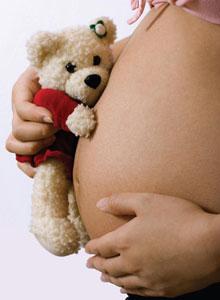 αρκουδάκι σε κοιλιά εγκύου