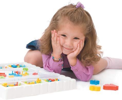 μικρό κοριτσάκι χαμογελάει