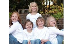 κοριτσάκια χαμογελάνε