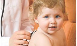 μωρό στον παιδίατρο