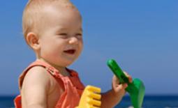 μωρό στον ήλιο