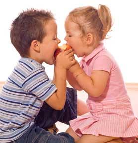 λέει ψέματα το παιδί, ανάπτυξη φιλίας, κοινωνικοτητα παιδιων