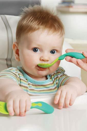 μωρό που τρώει