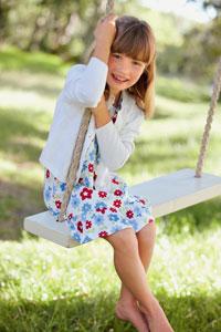 παιδί στην παιδική χαρά