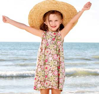 παιδί στη θάλασσα