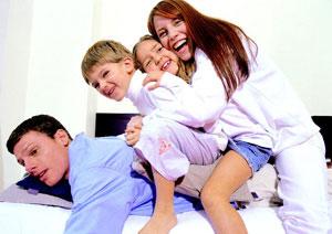 οικογένεια αγκαλιά